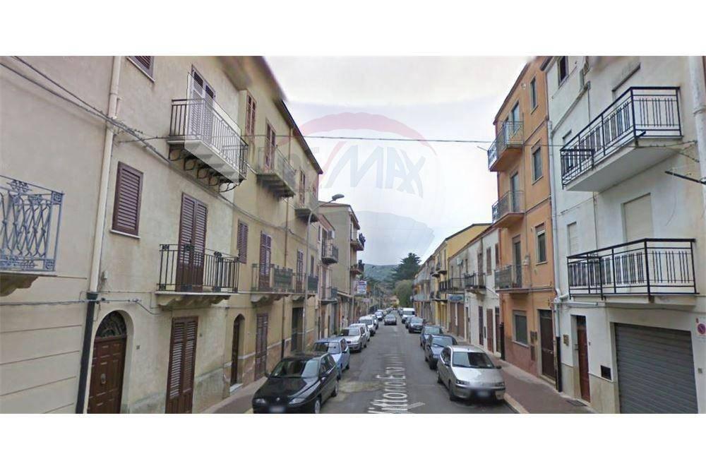 Appartamento da ristrutturare in vendita Rif. 4808496