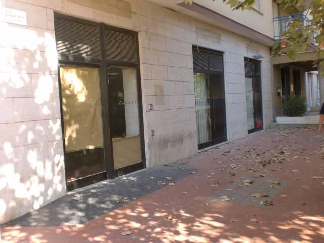 Negozio / Locale in affitto a Bagheria, 6 locali, prezzo € 3.500 | CambioCasa.it