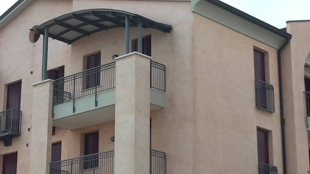 Appartamento in ottime condizioni in vendita Rif. 6964796