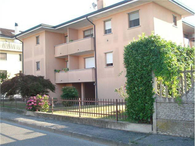 Appartamento in vendita a Zelo Buon Persico, 3 locali, prezzo € 159.000 | Cambio Casa.it