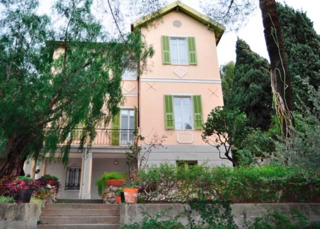 Villa in Vendita a San Remo Periferia: 5 locali, 456 mq
