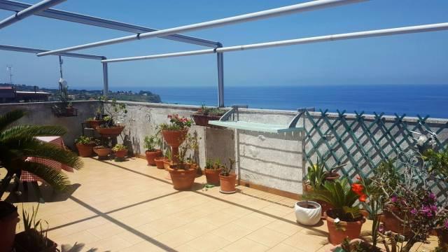 Spettacolare attico in vendita a Tropea
