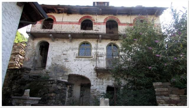 Rustico / Casale in Vendita a Cavaglio-Spoccia
