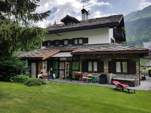 Villa 6 locali in vendita a Courmayeur (AO)