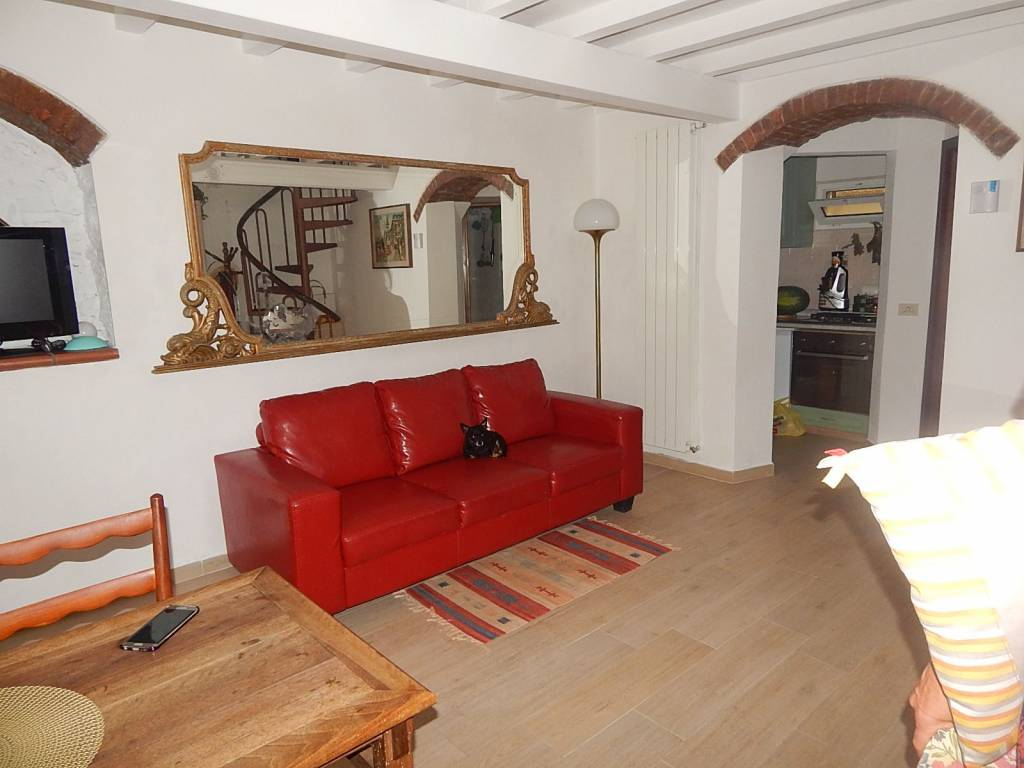 Casa Indipendente in ottime condizioni arredato in vendita Rif. 9151324