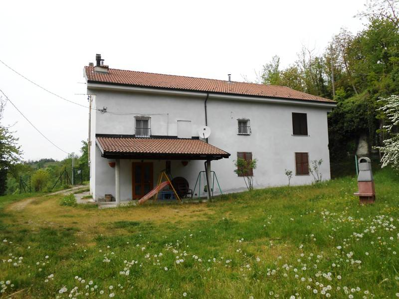 Villa in vendita a Trisobbio, 6 locali, prezzo € 80.000 | PortaleAgenzieImmobiliari.it