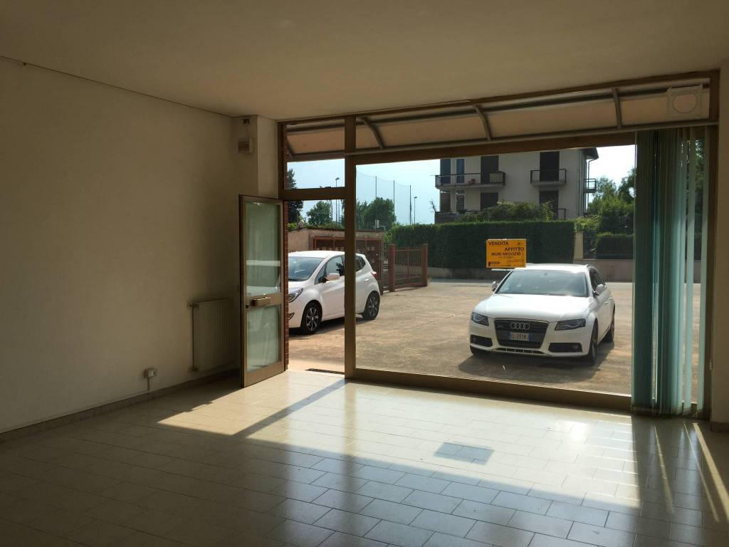 Negozio / Locale in vendita a Cossato, 2 locali, prezzo € 49.000 | CambioCasa.it