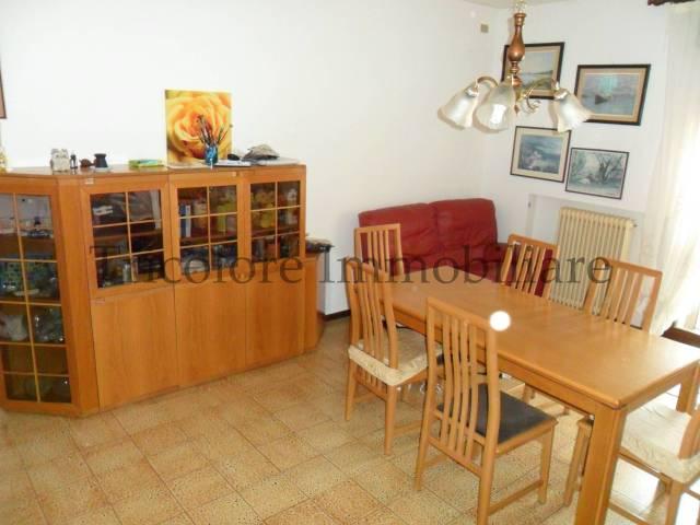 Appartamento in ottime condizioni arredato in vendita Rif. 4972071