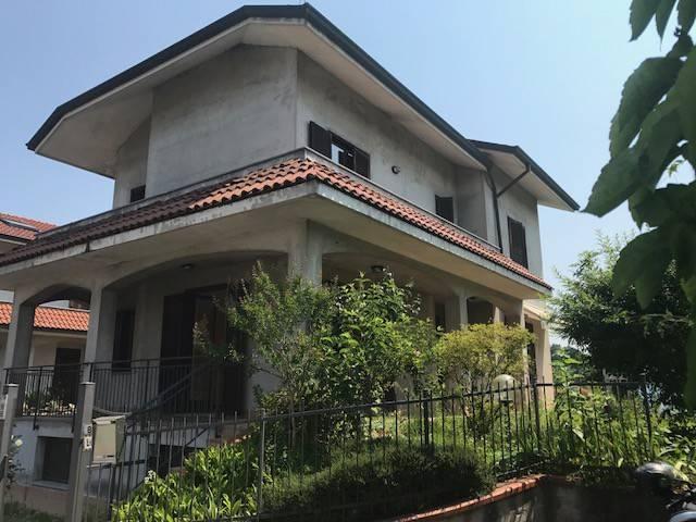 Villa in buone condizioni in vendita Rif. 8466604