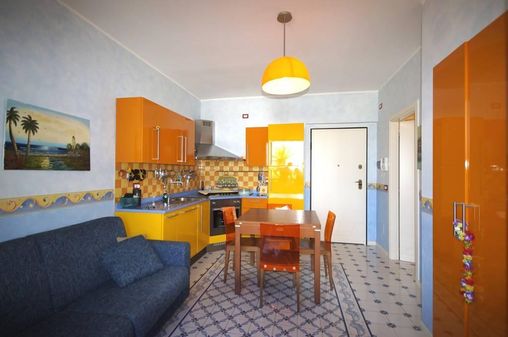 Appartamento in ottime condizioni arredato in affitto Rif. 8246769