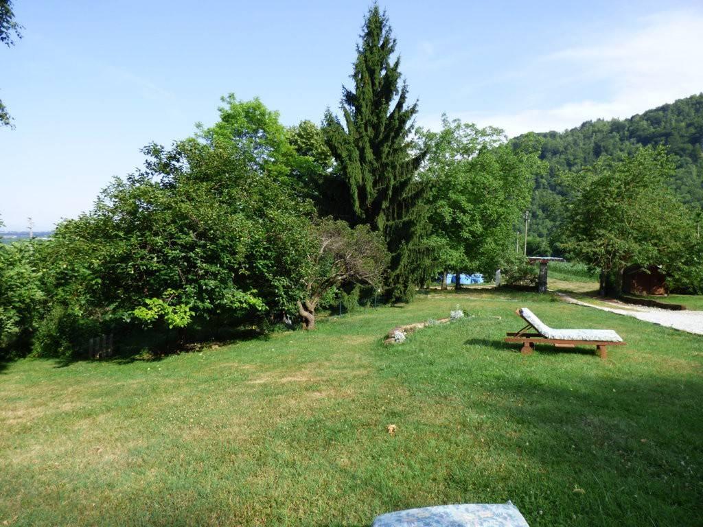 Bernezzo, fantastico casale indipendente immerso nel verde