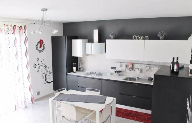 Appartamento in Vendita a Volvera Centro: 4 locali, 90 mq