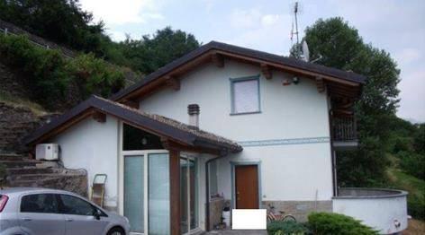 Villa quadrilocale in vendita a Mello (SO)