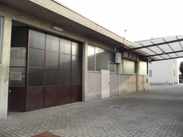 Capannone in vendita a Mariano Comense, 1 locali, prezzo € 350.000   CambioCasa.it