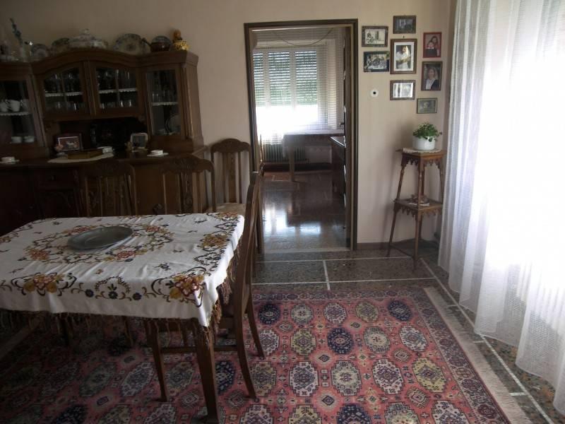 j24760: Castelplanio appartamento accessoriato vende