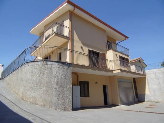 Villa in Vendita a San Gregorio Di Catania Centro: 5 locali, 300 mq