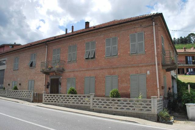 Rustico / Casale in vendita a Neive, 6 locali, prezzo € 200.000 | CambioCasa.it