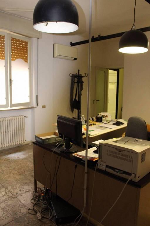 Ufficio-studio in Affitto a Parma Centro: 2 locali, 50 mq