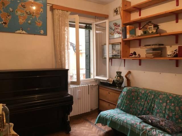 Bilocale vendita venezia for Planimetrie piano piano gratuito