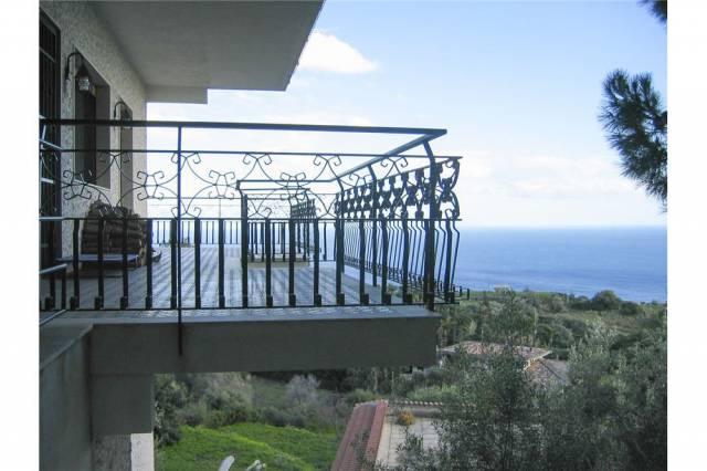 Villa-Villetta Vendita Aci Castello