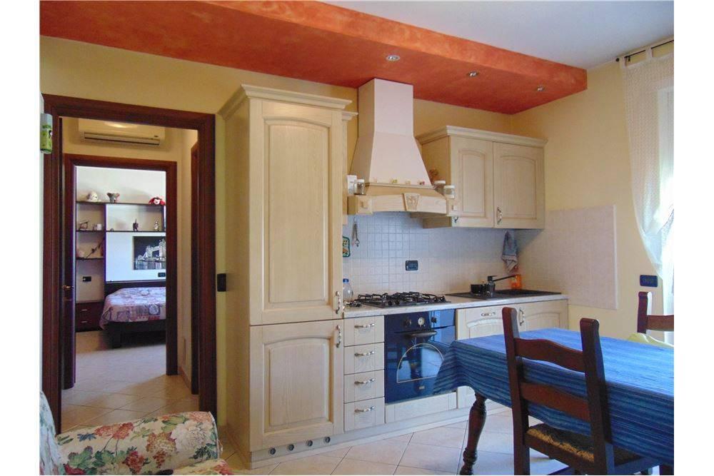 Appartamento in buone condizioni arredato in vendita Rif. 5260745