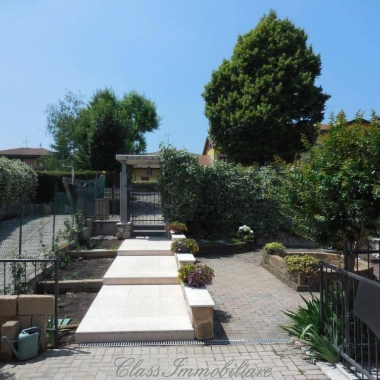 Villa in vendita a San Pietro in Cariano, 9 locali, prezzo € 690.000 | PortaleAgenzieImmobiliari.it