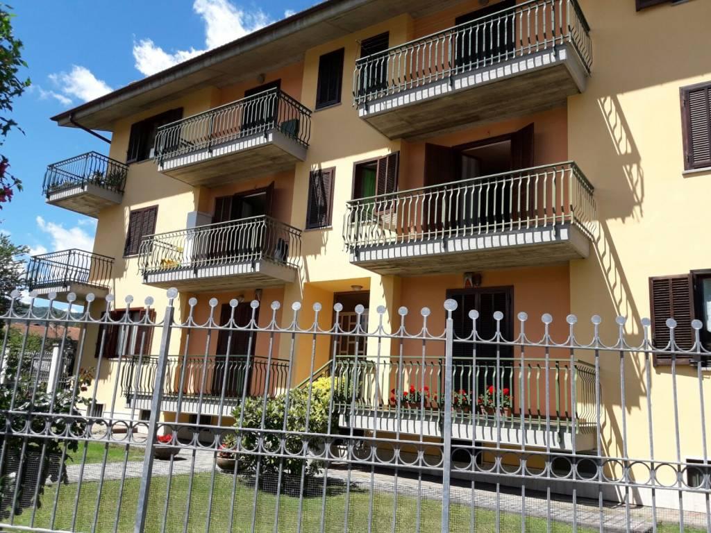 Appartamento in buone condizioni arredato in vendita Rif. 8463705