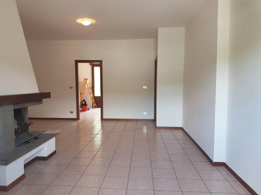 Appartamento in buone condizioni in vendita Rif. 7677415