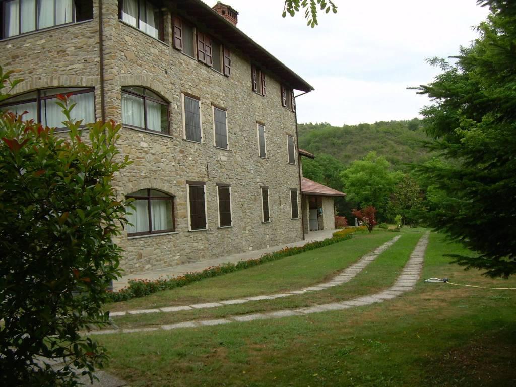 Appartamento in vendita a Lerma, 5 locali, prezzo € 175.000 | CambioCasa.it