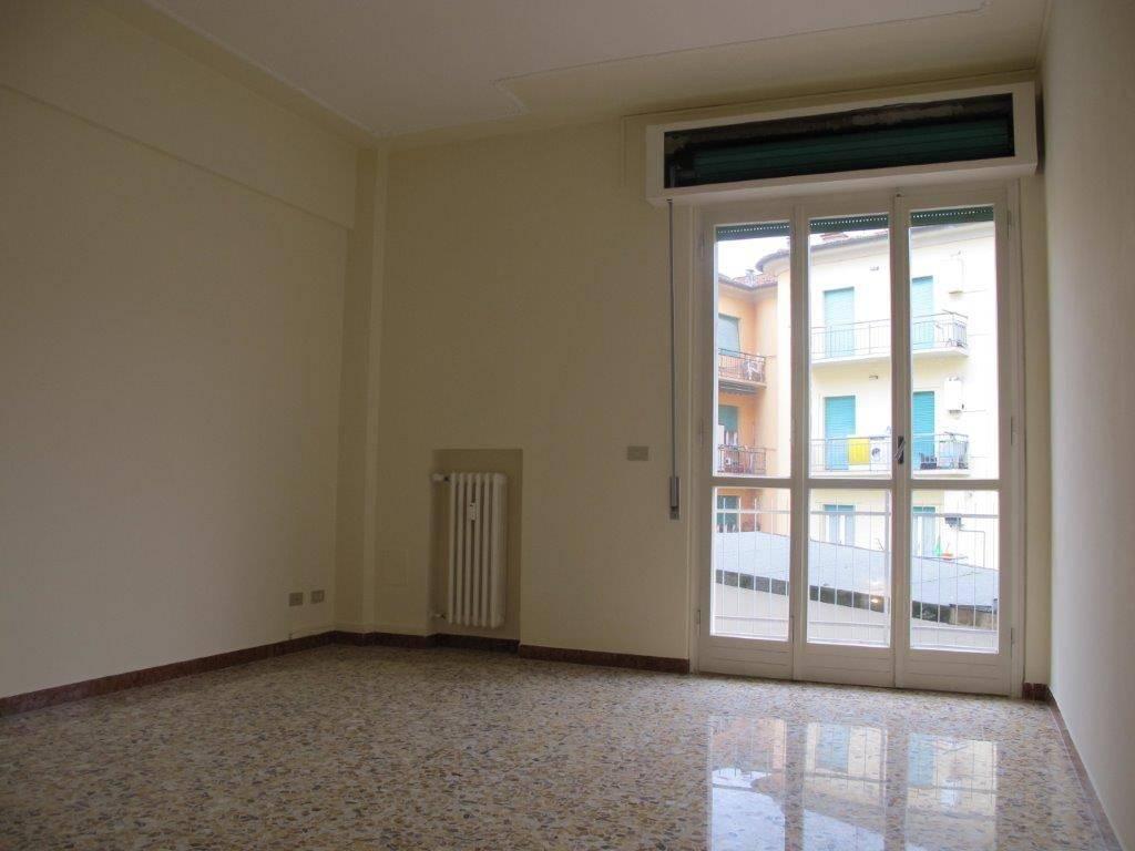 Appartamento in Affitto a Pistoia Periferia Ovest: 5 locali, 105 mq