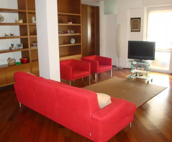Appartamento in ottime condizioni parzialmente arredato in vendita Rif. 5011753