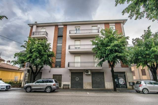 Appartamento in ottime condizioni in vendita Rif. 4244606