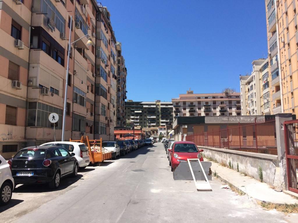 Magazzino in Affitto a Palermo Centro: 50 mq