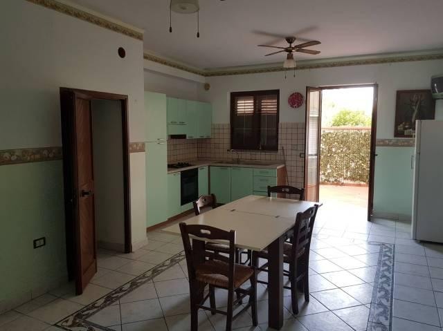 Appartamento in affitto a Motta San Giovanni, 3 locali, prezzo € 1.100 | Cambio Casa.it
