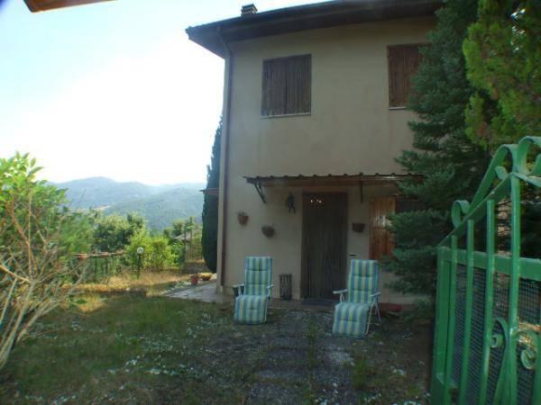 Rocca Sinibalda (RI) Villino in ottimo stato con giardino