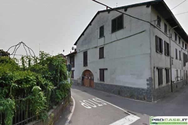 Appartamento in vendita a Rovello Porro, 3 locali, prezzo € 55.000   CambioCasa.it