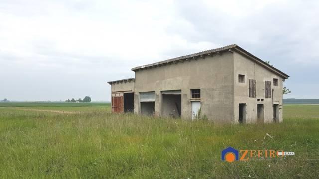 Villa in Vendita a Crevalcore Periferia: 5 locali, 250 mq