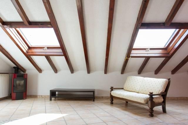 Attico / Mansarda in vendita a Varese, 3 locali, prezzo € 130.000 | Cambio Casa.it
