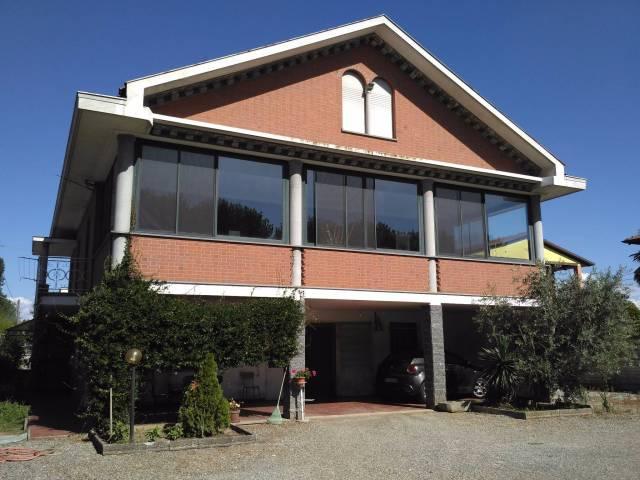Villa 5 locali in vendita a Livorno Ferraris (VC)