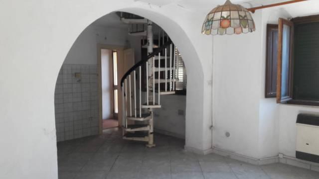 Appartamento da ristrutturare in vendita Rif. 4874993