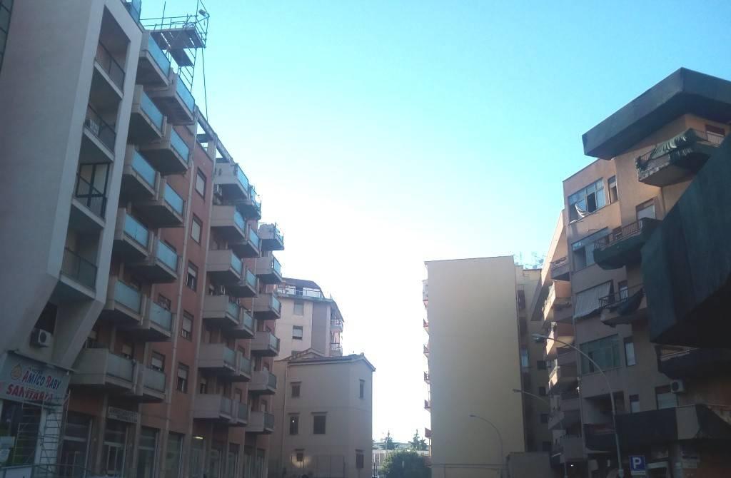 Appartamento in Affitto a Palermo Centro: 3 locali, 110 mq