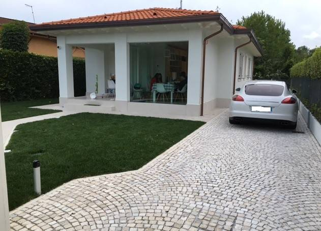 Villa in affitto a Forte dei Marmi, 5 locali, Trattative riservate | CambioCasa.it