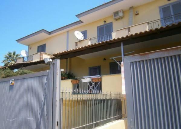 Villa a Schiera 1 km ipercoop. 600 euro