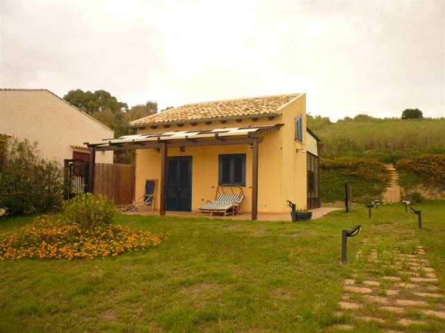 Villa in Affitto a Menfi: 2 locali, 50 mq