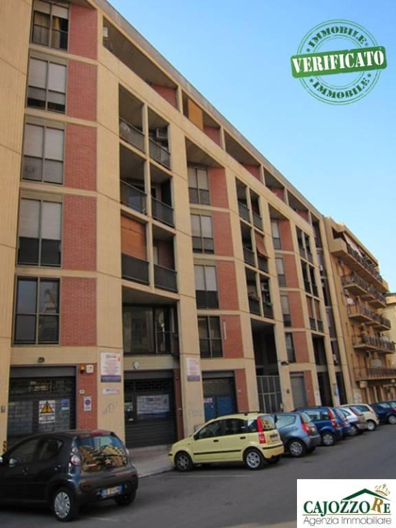 In zona Montegrappa Negozi e Uffici per 1363mq