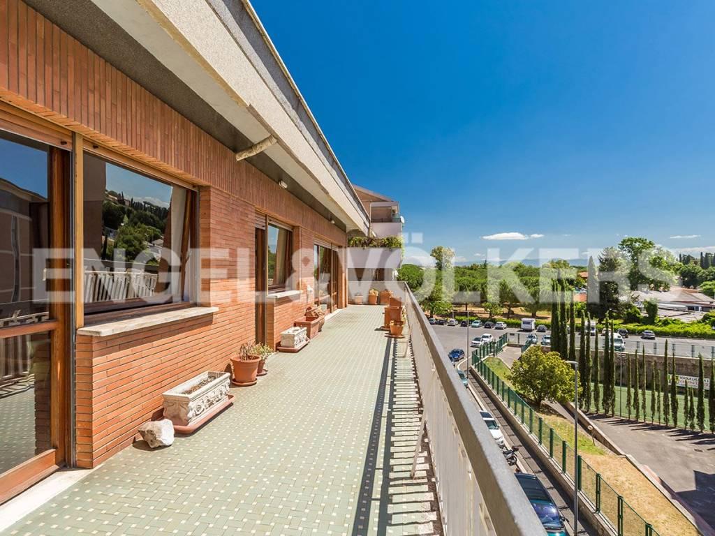 Appartamento in Vendita a Roma 20 Colombo / Garbatella: 5 locali, 260 mq