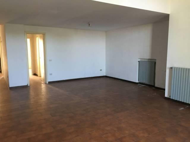 Appartamento in buone condizioni in vendita Rif. 4854262