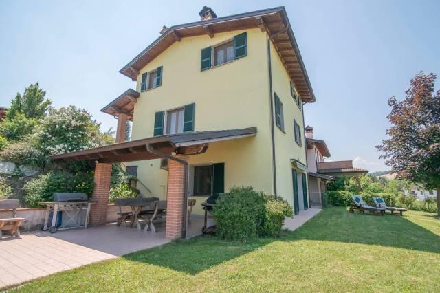 Villa in Vendita a Piozzano Periferia: 3 locali, 193 mq