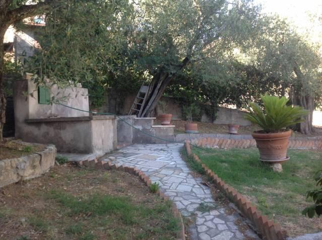 Rustico / Casale in Vendita a Castel Madama