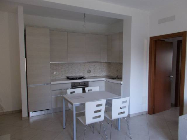 Appartamento in affitto a Fara Gera d'Adda, 2 locali, prezzo € 450 | Cambio Casa.it